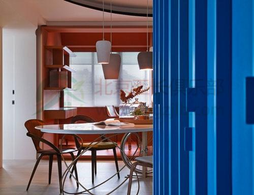 100㎡色彩絢爛的時尚二居室