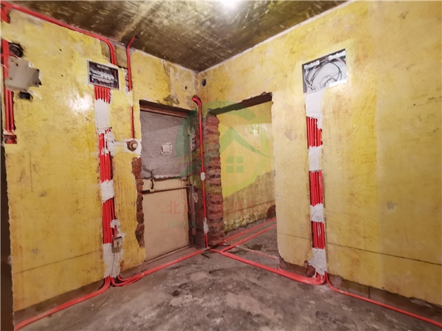 北京市朝陽區管莊西里二居室老房裝修施工現場